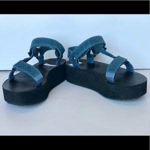 Teva Flatform Universal Everglade Leather Sandal Blue NIB